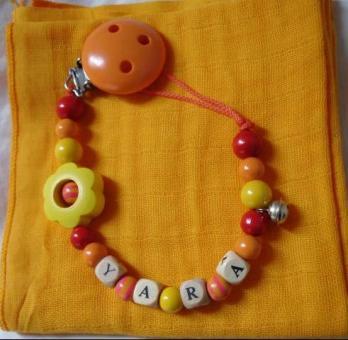 """Nuggikette rot-orange-gelb mit """"Namen"""" + Nuscheli"""